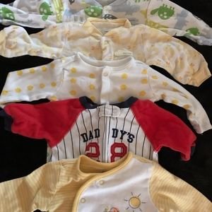 Bundle of 6 Onsies, Size Newborn, Some never worn